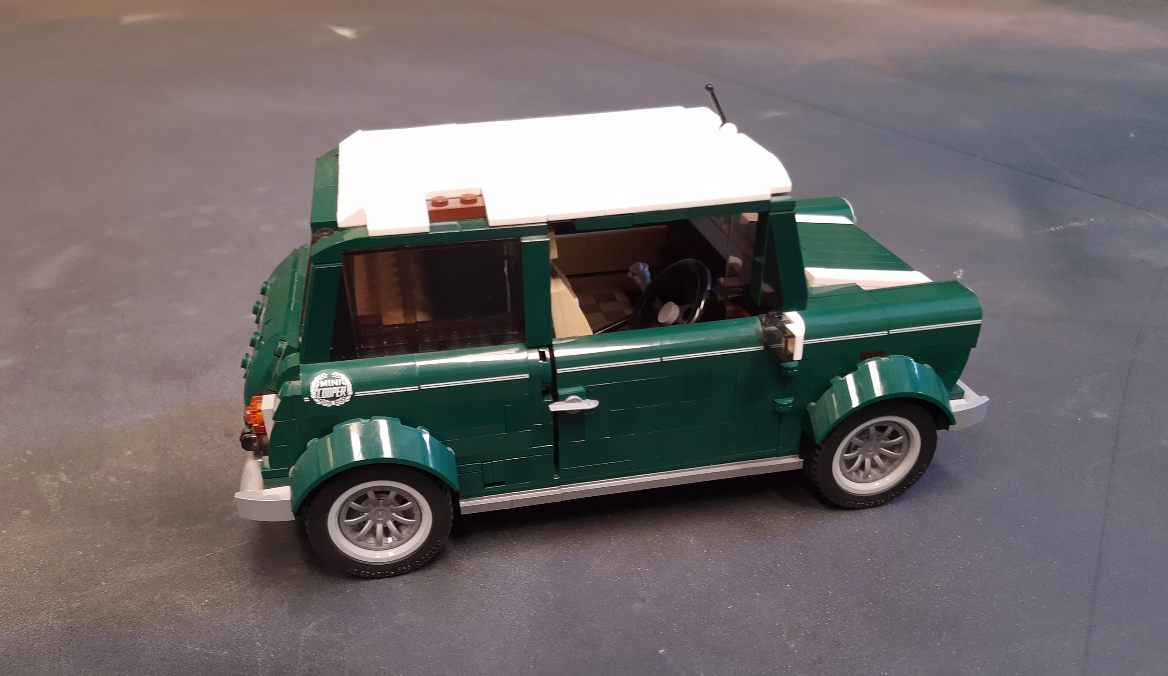 Mini Cooper de LEGO Creator sin pieza