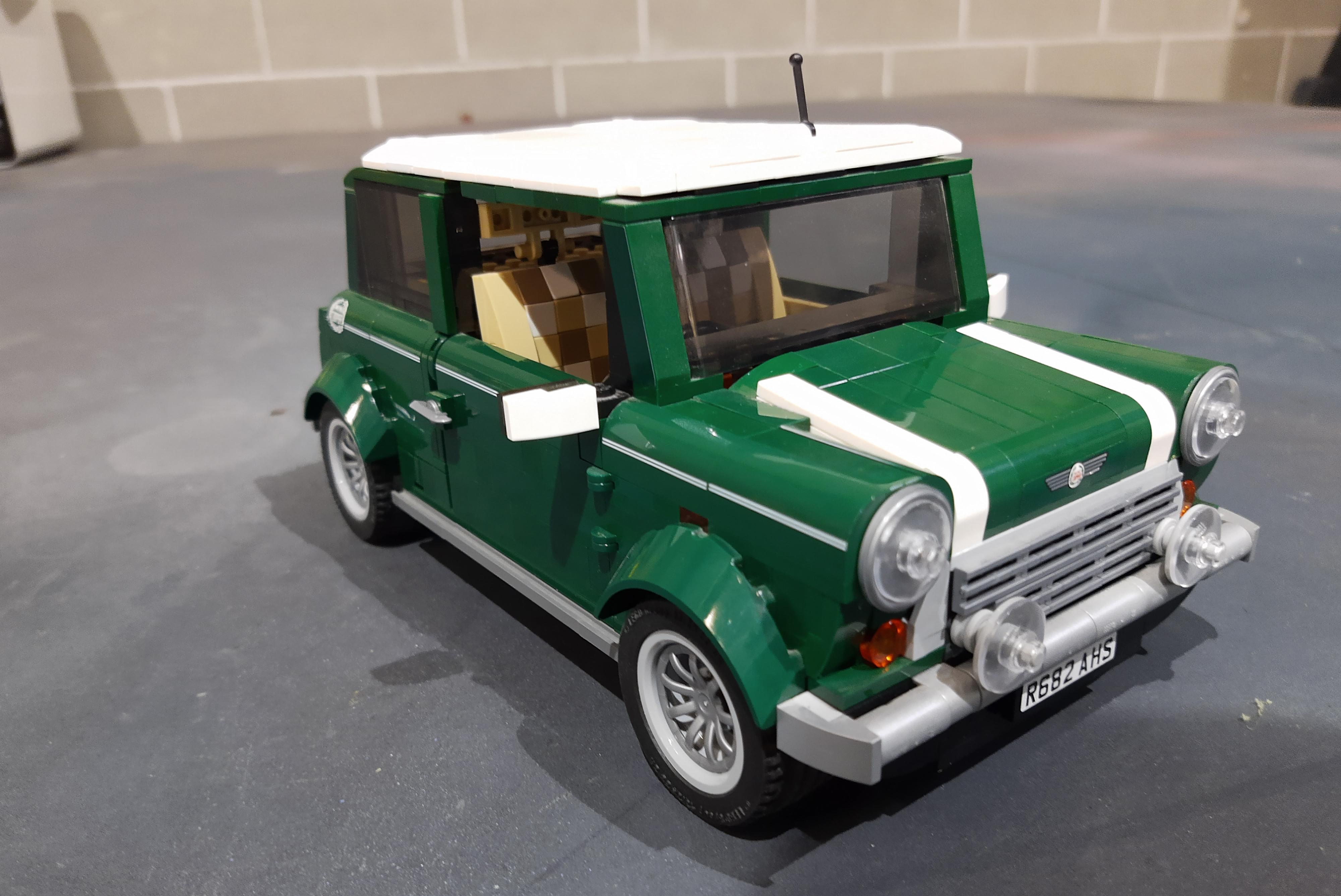 coche completado con pieza LEGO 3D