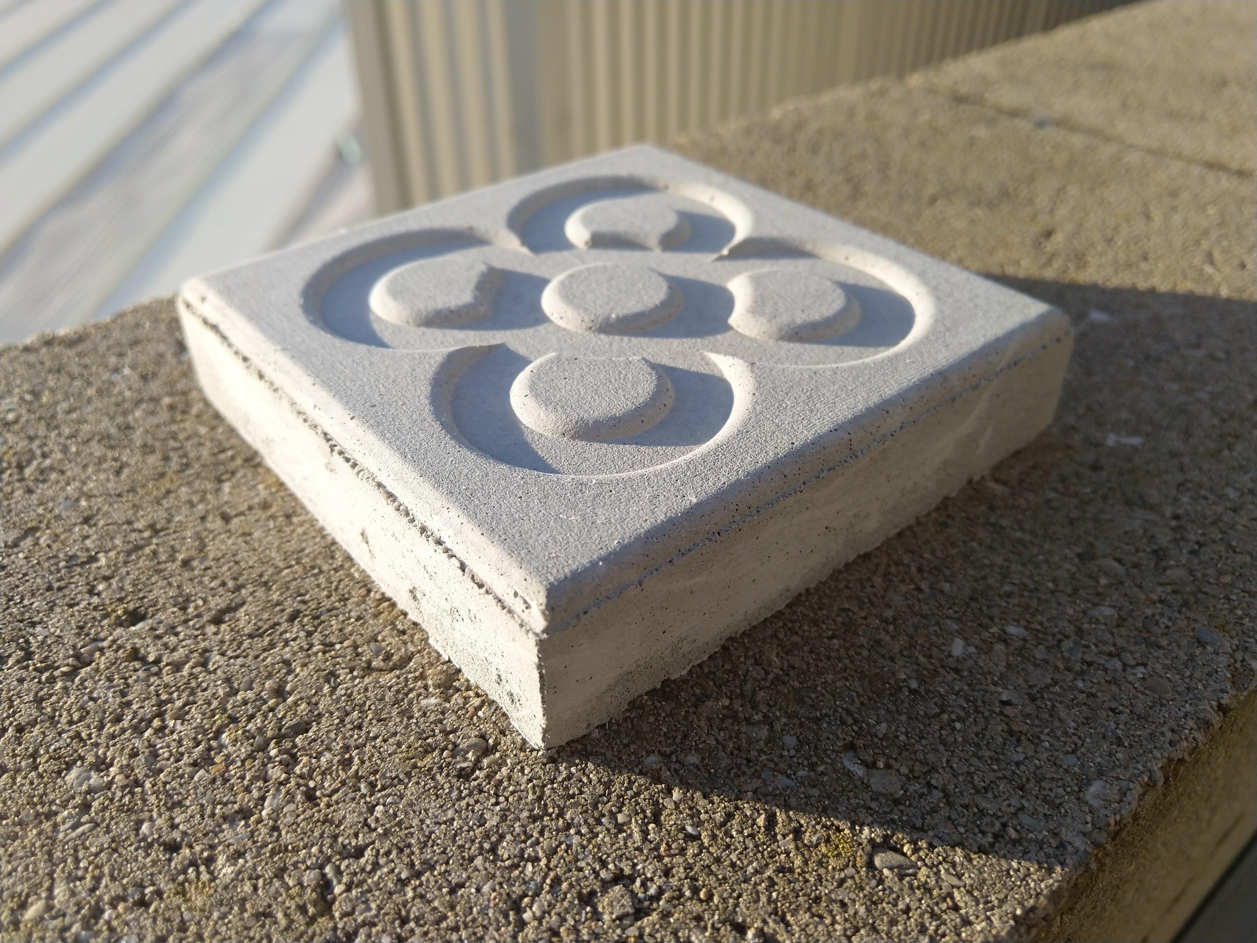 Project BCN ha sido testado con moldes con la típica baldosa de Barcelona, diseñada por Puig i Cadafalch.