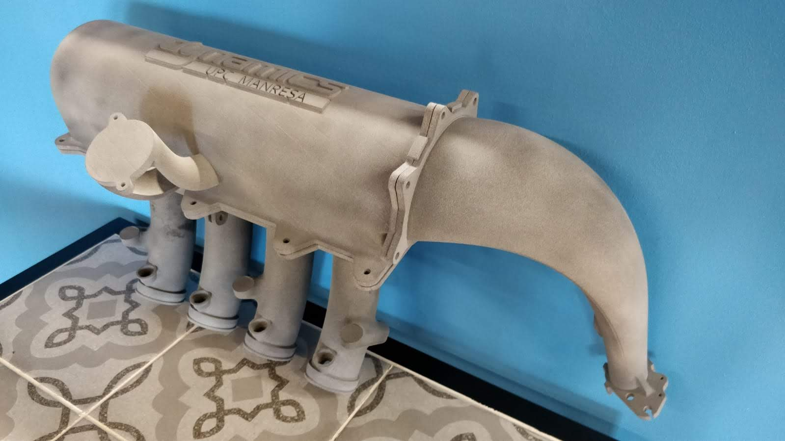 tubo de escape impreso en 3D